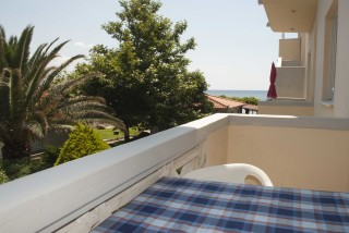 accommodation parathinalos balcony