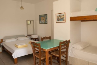 accommodation parathinalos kitchenette