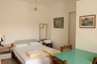 accommodation parathinalos room area