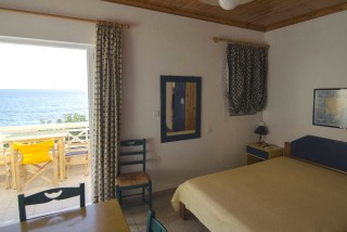 accommodation parathinalos room with sea view