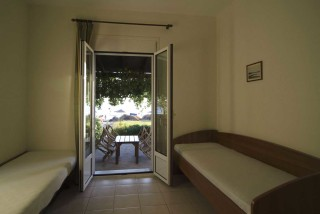 accommodation parathinalos rooms