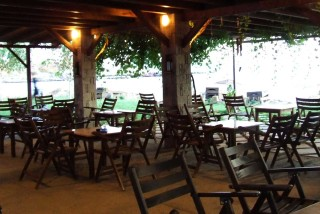 facilities parathinalos beach bar - 01